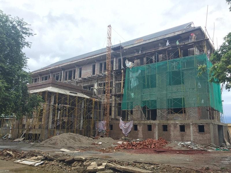 Văn phòng UBND Huyện Tân Lạc mới đang trong quá trình thi công