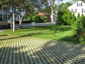 Thiết kế sân vườn hoàn hảo hơn với gạch trồng cỏ
