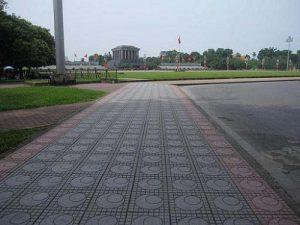 Vỉa hè quanh quảng trường Ba Đình sử dụng gạch Terrazzo luôn sạch đẹp